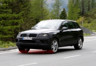 001-vw-touareg-facelift-spy-shots